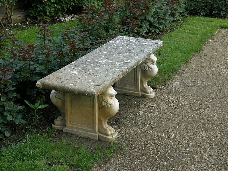 File:Łańcut palace - bench in Rose Garden.jpg