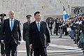 Ο ΥΠΕΞ Ν. Δένδιας στην κατάθεση στεφάνου στο μνημείο του Άγνωστου Στρατιώτη από τον Πρόεδρο της Κίνας Xi Jinping (49049470296).jpg