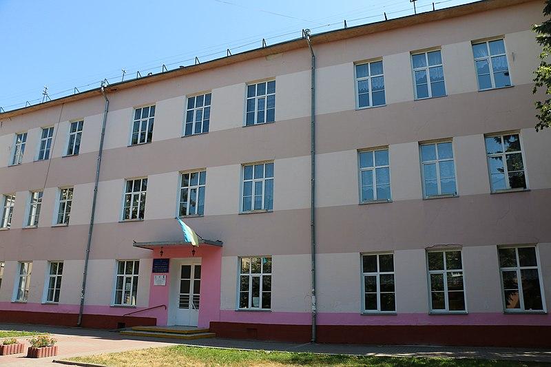 Знайомимось з історичними будівлями Івано-Франківська: жіноча школа ім. королеви Ядвіги (фото)