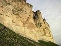 Ак Кая - Белая скала, тропа вдоль обрывов.jpg