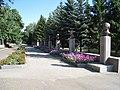 Галерея с бюстами героев Великой Отечественной Войны, 2009 год - panoramio (1).jpg