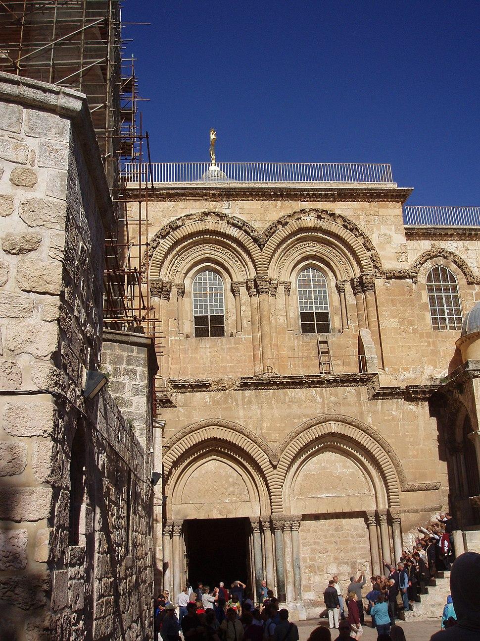 Галоўны фасад Храма Гроба Гасподняга, Іерусалім