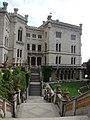Замок Мирамаре (39174775150).jpg