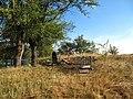 Курган біля кладовища с.Новоселівка, поховання на кургані.JPG