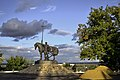 """Памятник первопоселенцу. В народе - """"Мужик с конём"""".jpg"""
