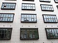 Традиционный московский архитектурный ряд повторяющихся окон (не нравится) - panoramio.jpg