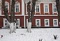 Фасад палацу в Янові, фрагмент.jpg