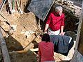 042 Professor Dr. Zbigniew Pianowski bei Ausgrabungen auf dem e. Mariaplatz in Sanok.jpg