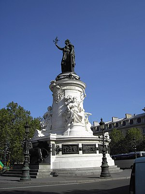 10th arrondissement of Paris - Image: 050903 Paris 002 Mme la Republique