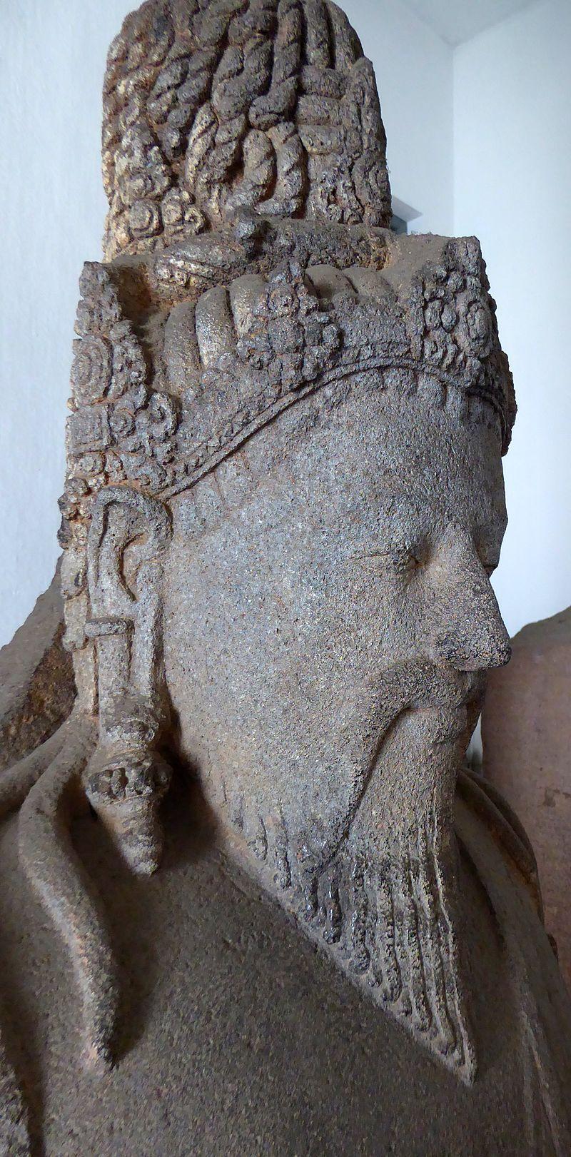 069 Siva Mahaguru Agastya, Cando Banon, Magelang, Central Java, 8-9th c (23122032859).jpg