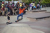180 in an orange shirt at Far Rockaway Skatepark - 2019.jpg