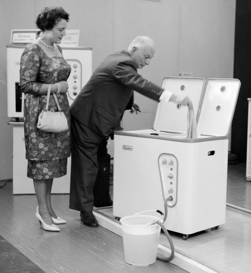 1960s automatic washing machine