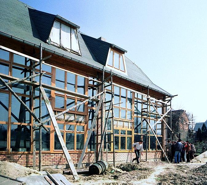 File:19880412080NR Hopfgarten (Thüringen) Solarhaus am Weinberg.jpg