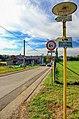 2012 Olbrachcice, Znaki pieszych szlaków turystycznych na skrzyżowaniu (02).jpg