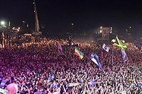 2013 Woodstock 144 crowd surfing.jpg
