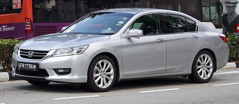 2014 Honda Accord 2.4 i-VTEC sedan (2016-01-07) 01.jpg