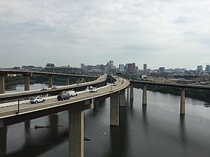 Interstate 395 (Maryland) - View north along I-395 from I-95 in Baltimore