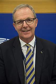 Axel Voss German lawyer and politician