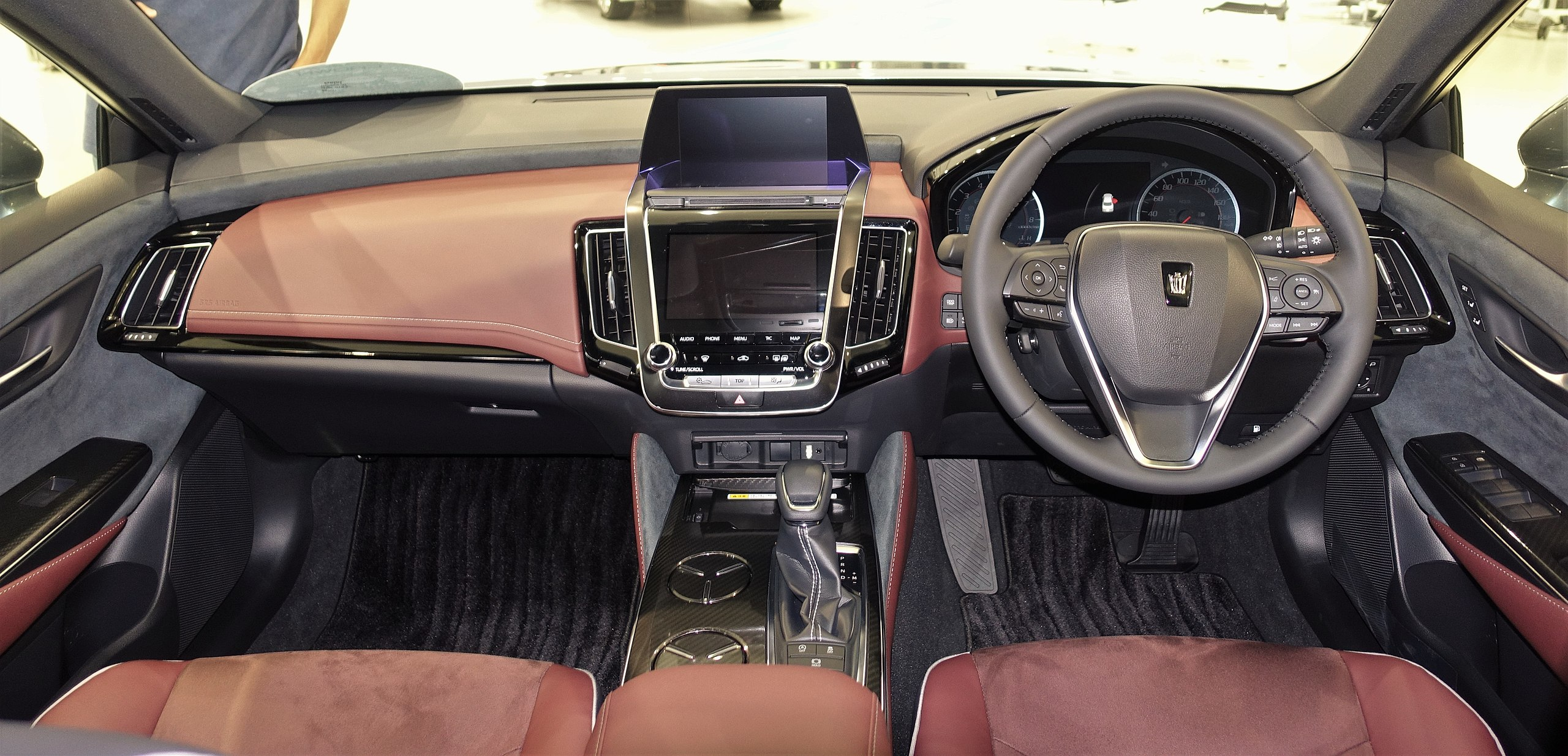 2018 Toyota Crown interior.jpg