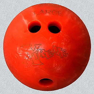 Glossary of bowling - Image: 20190118A Plastic house bowling ball conventional grip