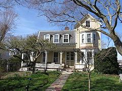 Gentil House At 362 Sea Cliff Avenue
