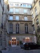 rue jean jacques rousseau 75001 paris