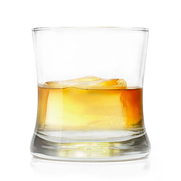 File:A Glass of Whiskey on the Rocks.jpg
