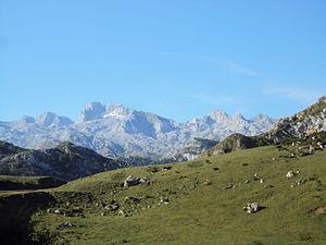 A camiño de los Lagos de Covadonga (2).JPG