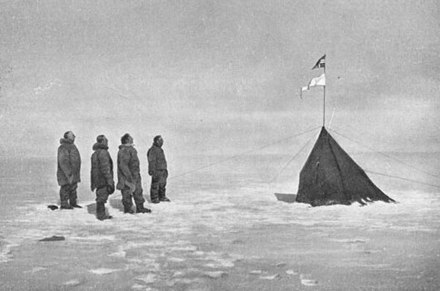 December 14: Roald Amundsen reaches the South Pole. Aan de Zuidpool - p1913-160.jpg