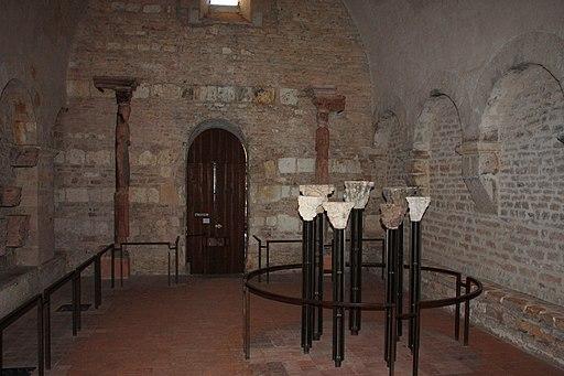 Abbaye St Philibert à Tournus - Vestibule (01)