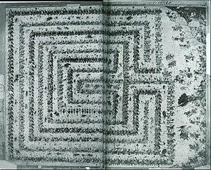 Padmavyuha - Image: Abhimanyu kill in Chakra vyuha of karvas , made by mughal artists Daswanth and tara