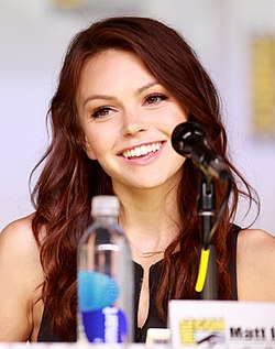 Aimee Teegarden San Diegon Comic-Conissa 2013.