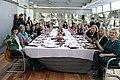 Alcaldesa y mujeres empresarias comparten mesa para celebrar el 8 de marzo 04.jpg