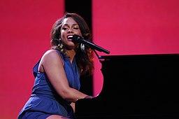 Alicia Keys live Walmart