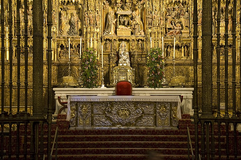 File:Altar mayor catedral sevilla 2008.jpg