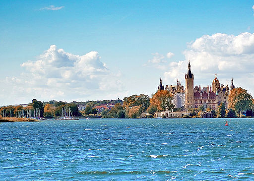 Am Schweriner Schloss See Castle Lake