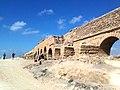 Ancient Roman aqueduct in Caesarea Maritima-02.jpg