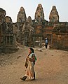 Angkor-Pre Rup-04-2007-gje.jpg