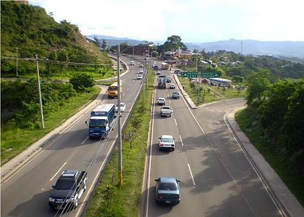 Southbound view of Anillo Periferico (beltway) at the Maria Pediatric Hospital exit AnilloPerifericoTegucigalpa.jpg