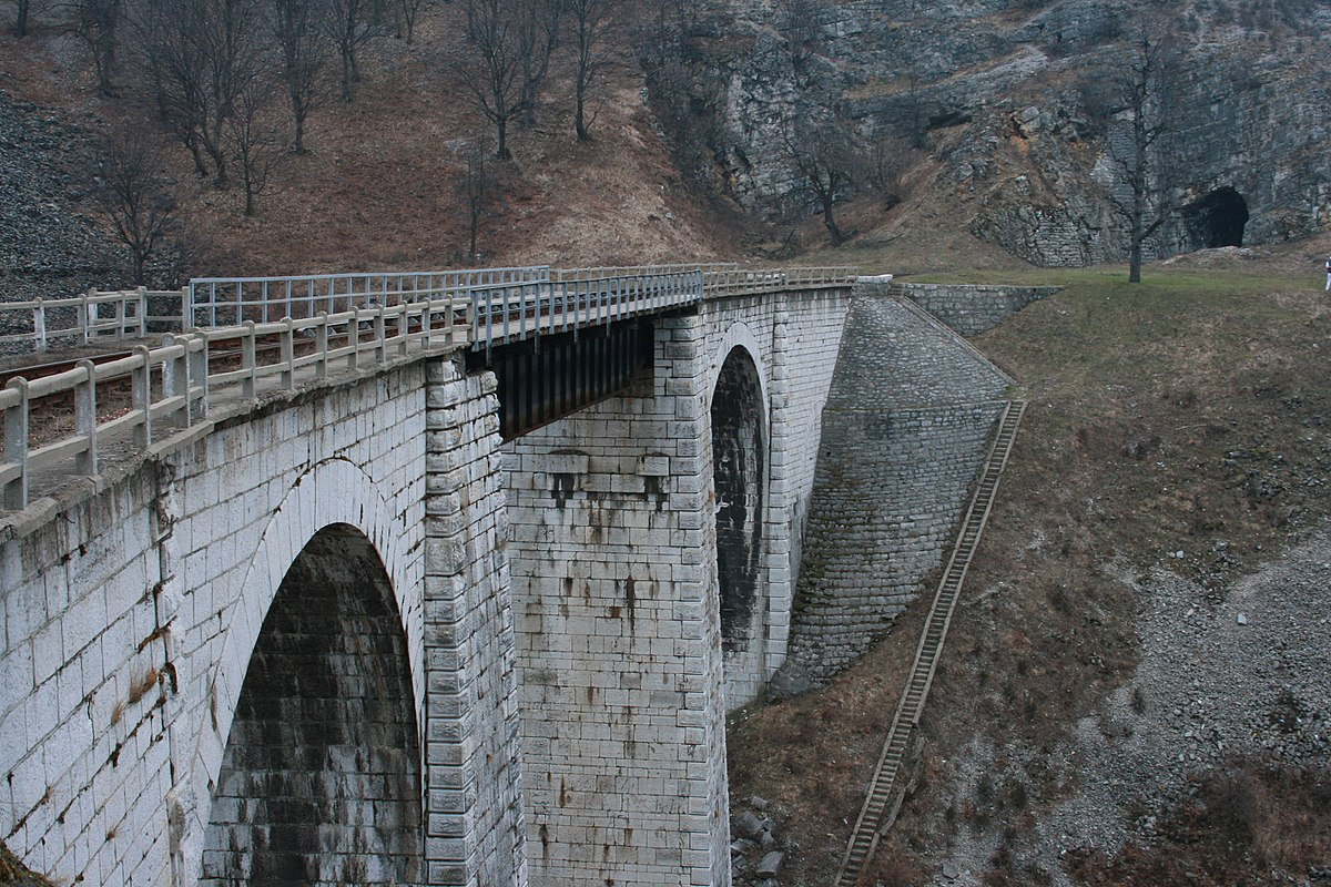 Car To Go >> Anina – Travel guide at Wikivoyage