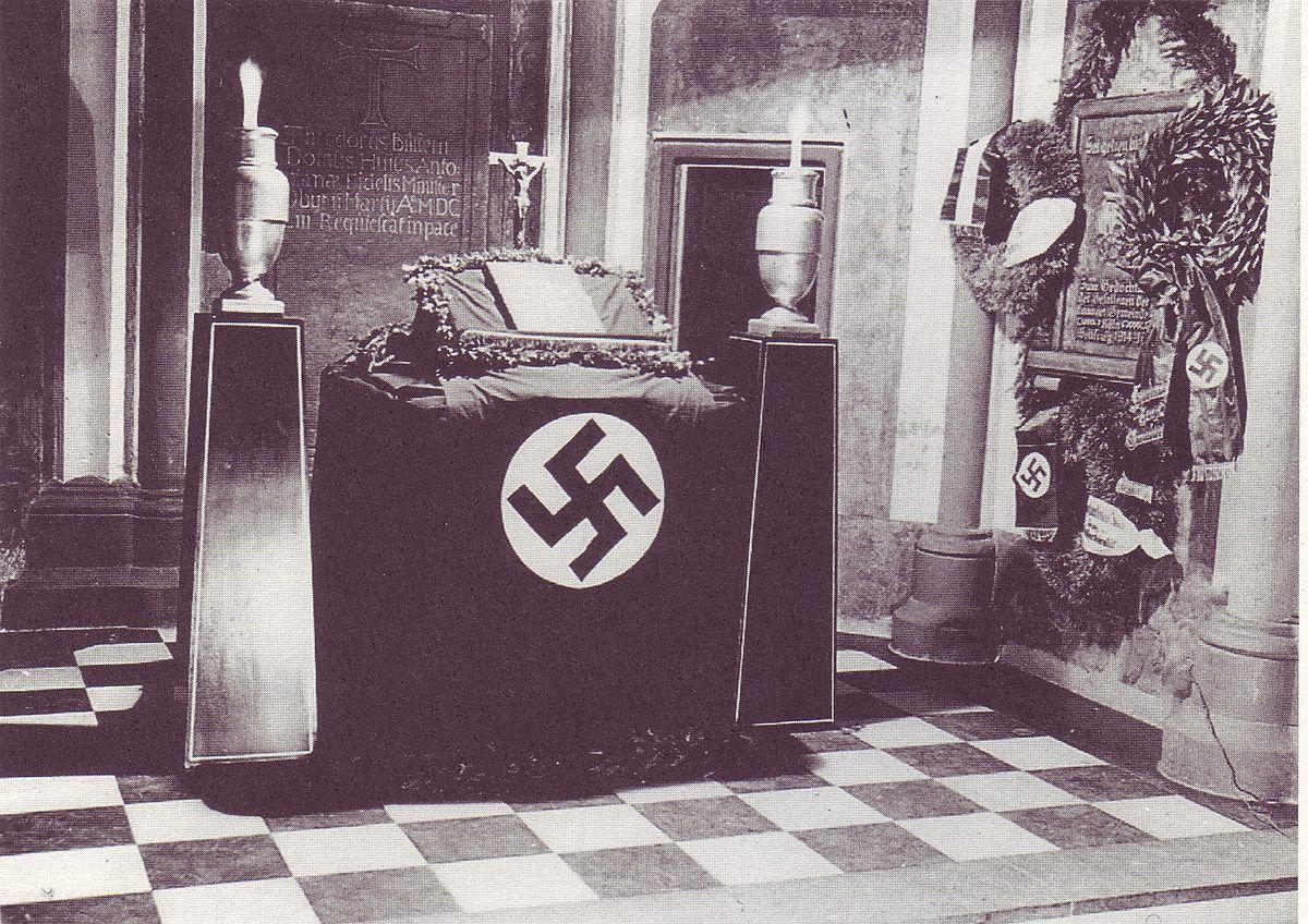 Antoniterkirche Köln 1940.jpg