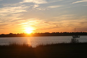 English: The Ashley River at sunset. Photo tak...