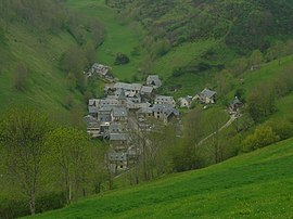 The village seen from the road to the Col d'Aspin