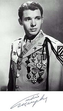Description de l'image  Audie Murphy uniform medals.jpg.