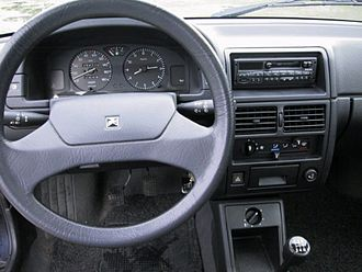 Citroën AX - Interior of a later AX