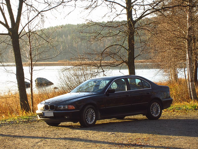 File:BMW E39 5-Series MY1999 523i (3).JPG