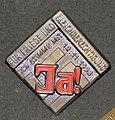 Badge, propaganda (AM 1996.71.128).jpg
