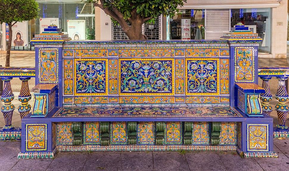 Banco en la Plaza Alta, Algeciras, C%C3%A1diz, Espa%C3%B1a, 2015-12-09, DD 03-05 HDR