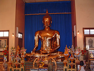 Samphanthawong District - Golden Buddha image at Wat Traimit