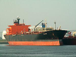 Bel Taylor p2 at the '7e Petroleumhaven', Port of Rotterdam, Holland 23-Apr-2006.jpg